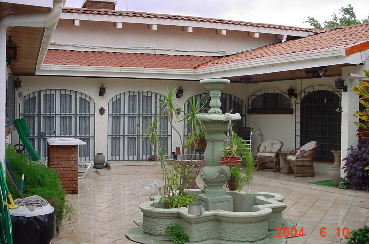 House for sale in costa rica cariari real estate for Homes with courtyards in the center